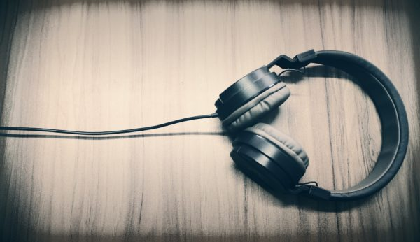 Dawn Ellmore Employment - Amazon patent auto muting headphones