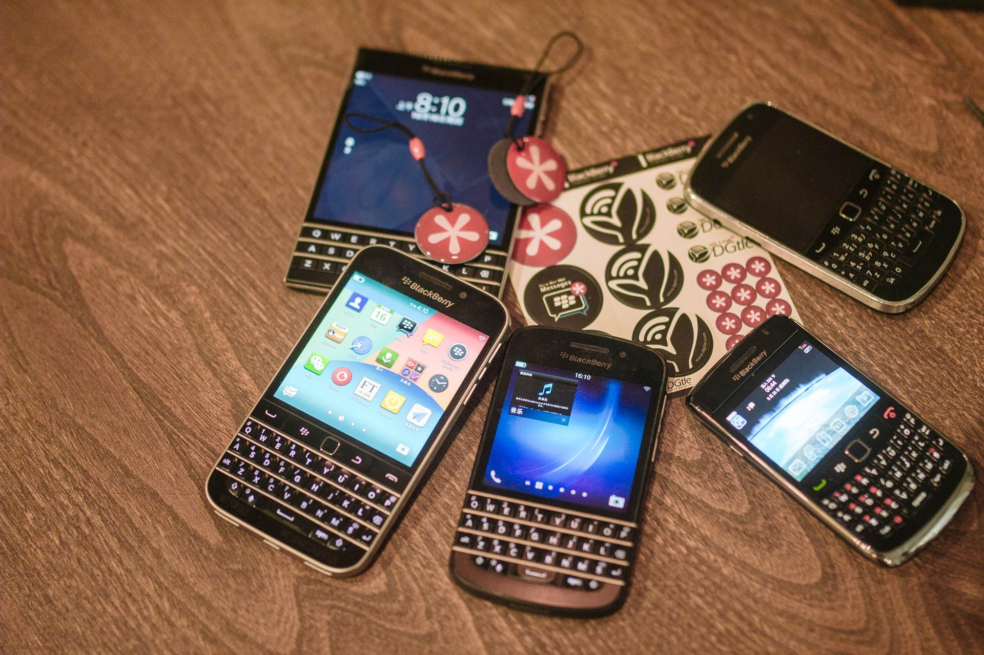 BlackBerry sues Twitter for patent infringement